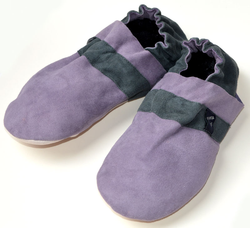 SoleMania Slippers #7009<br><span style='color: rgb(230, 0, 0);'>MULTIBUY PRICE:<br>1 pair = £15.00<br>2 pairs = £12.50 each<br>3+ pairs = £10.00 each</span>
